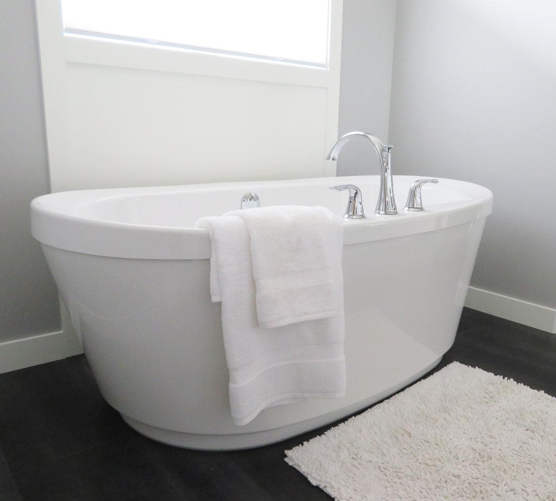 vasca da bagno piccola per ottimizzare spazio