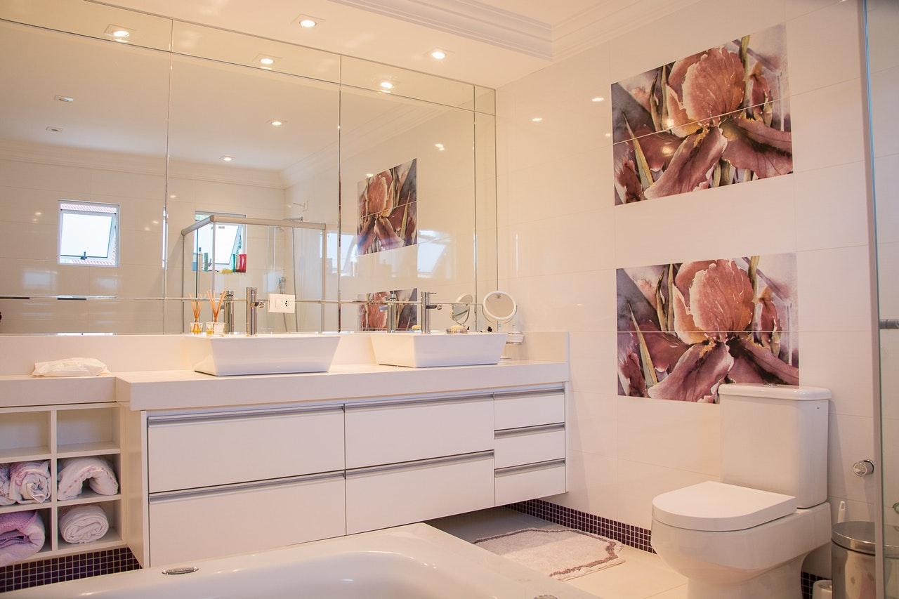 Altezza Specchio Ingresso come posizionare gli specchi per ingrandire gli ambienti