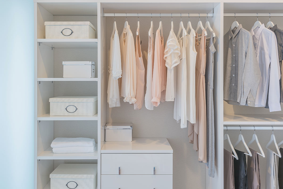 Come organizzare un armadio o una cabina armadio