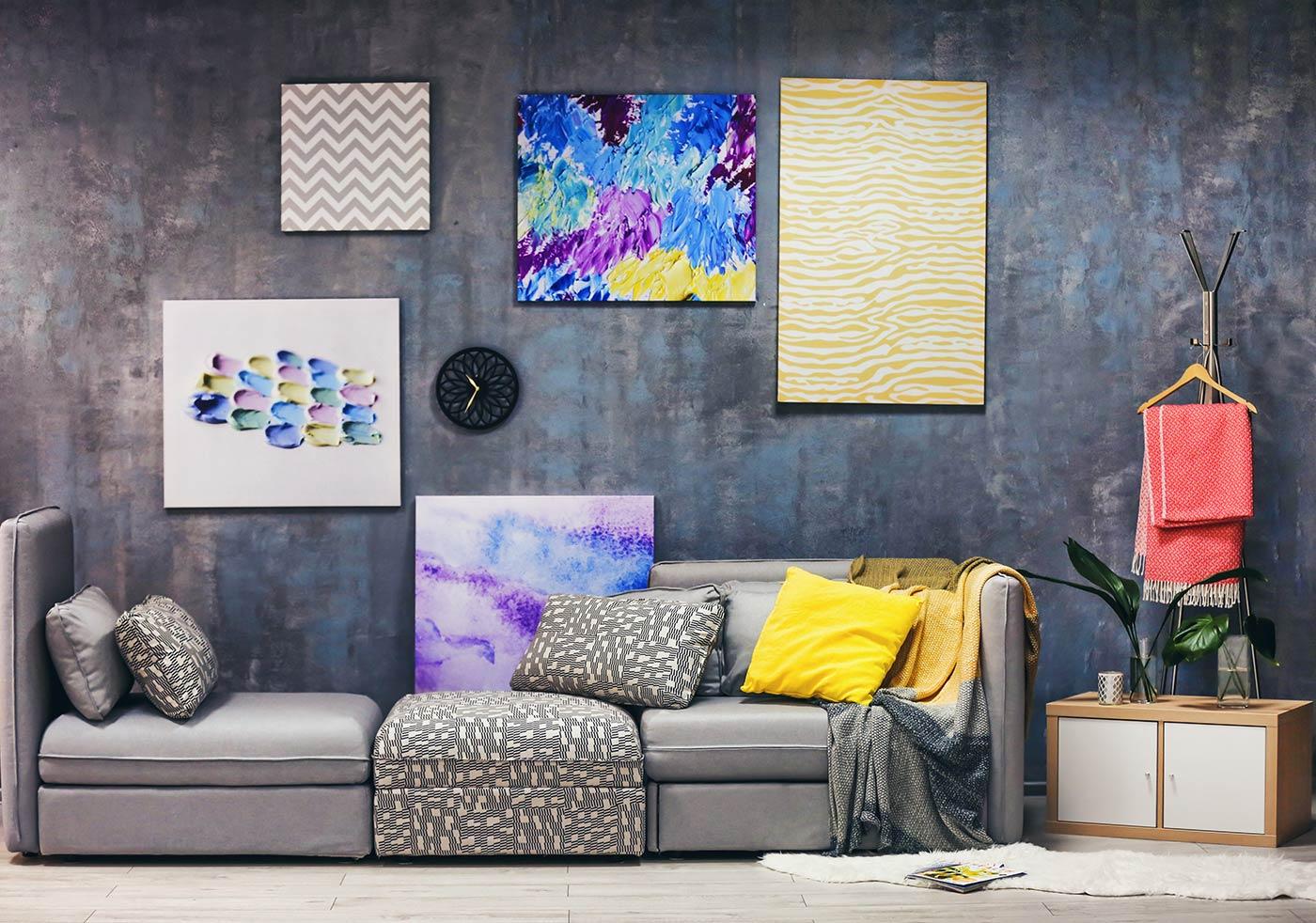 Arredare soggiorno con divano compinibile