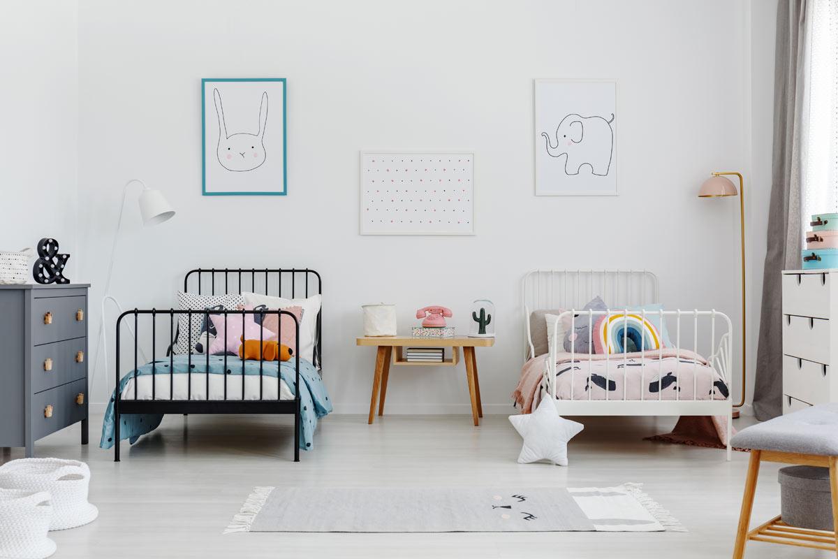Camera per bambini con letti a terra