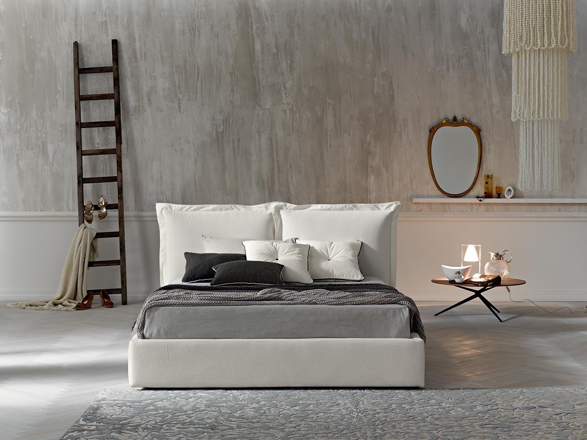 Camere da letto contemporanee bianche
